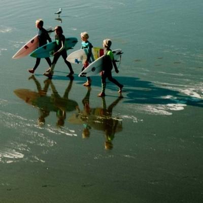 kids-surfing-in-the-west-of-ireland